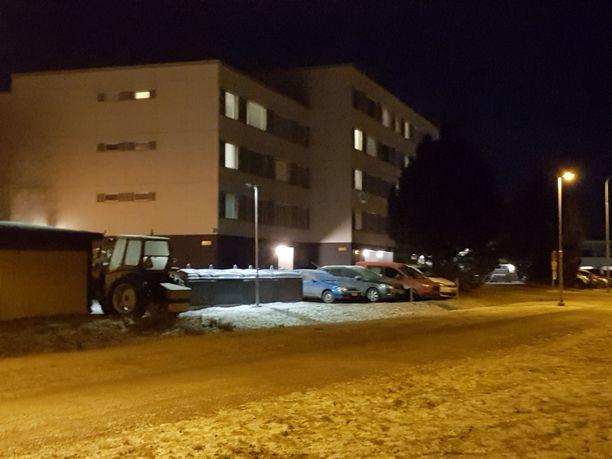Perheenäidin surma järkyttää rauhallisella asuinalueella Tampereella.