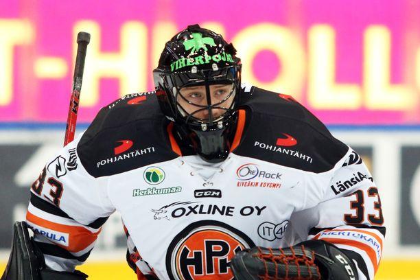 22-vuotias Emil Larmi on tehnyt ryminällä nousua SM-liigan huippuvahdiksi.