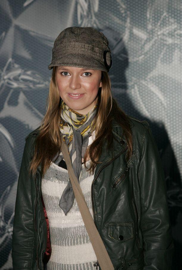 Petra vuonna 2009 ensimmäisen sooloalbuminsa julkaisun aikoihin.