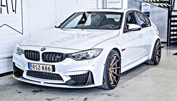 2015-mallinen BMW M3 sedan tarjoiilee noin 550 hevosvoimaa ja hintaakin on vielä: 106 500 euroa.