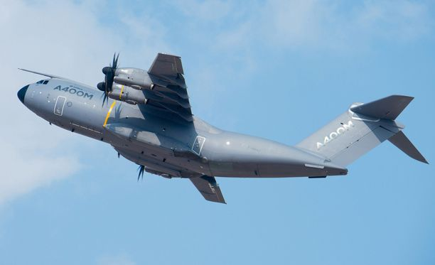 Airbus 400M-tyypin kone syöksyi maahan pian nousun jälkeen.