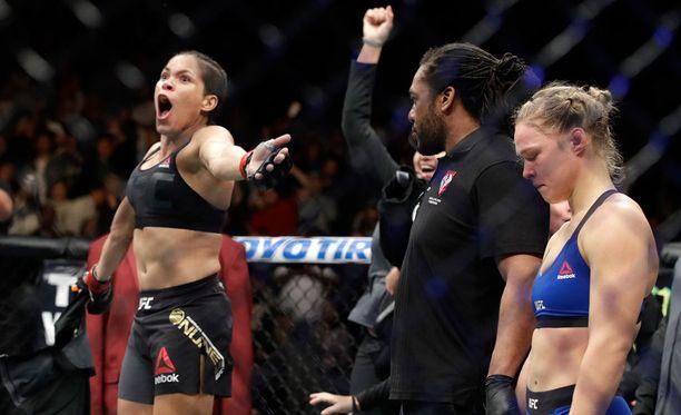 Amanda Nunes voitti Ronda Rouseyn lyhyeksi jääneessä ottelussa.