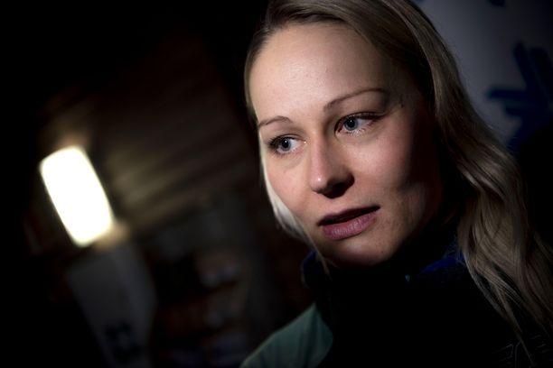 Anne Kyllösellä on haasteita ladulla.