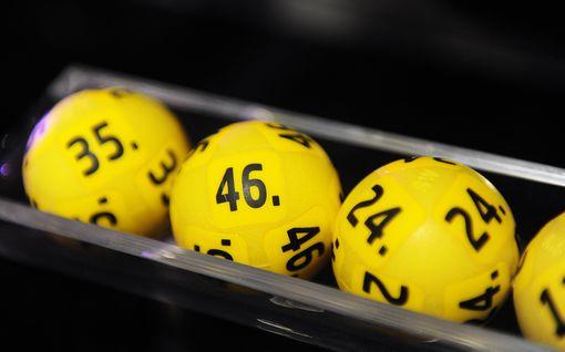 Kolumni: En halveksu mitään niin kuin miestä, joka lottoaa