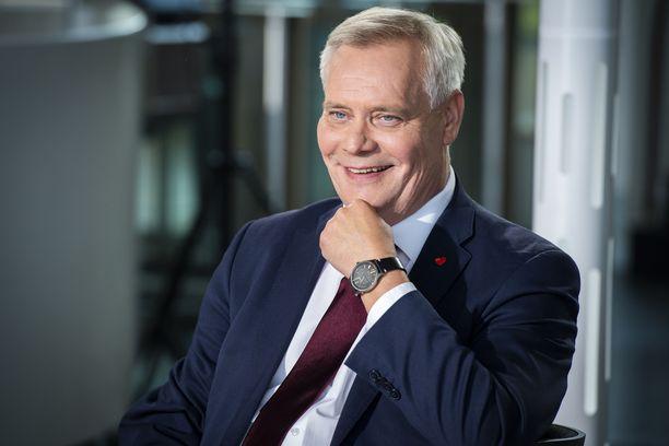 SDP:n puheenjohtaja Antti Rinne sanoo olevansa tarpeeksi terve ottaakseen vanhat työnsä hoitaakseen.