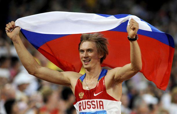 Andrei Silnov juhli olympiavoittoa 12 vuotta sitten Pekingissä.