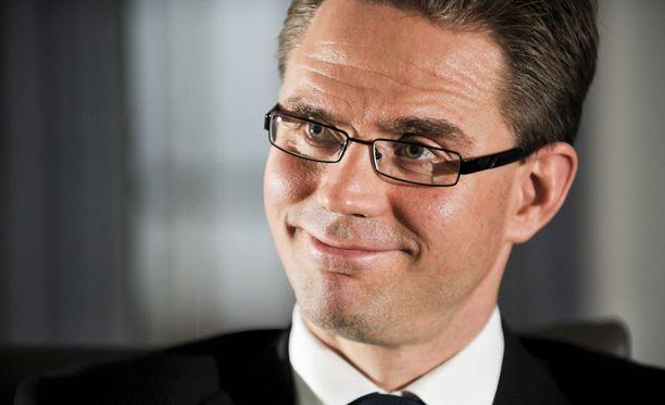 Puheenjohtaja Jyrki Katainen osoittaa luovan poliitikon ominaisuuksia käyttämällä hyväksi valtatyhjiötä ja kahden hatun asemaansa.