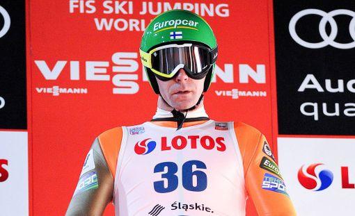 Janne Ahonen hyppäsi 111 metriä.