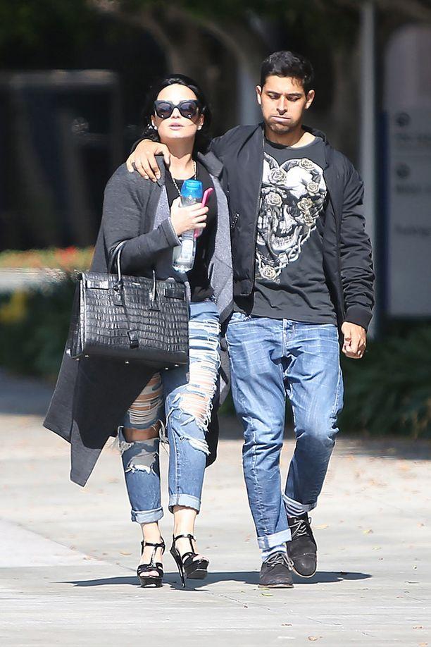 Pari kuvattiin vielä huhtikuussa yhdessä.