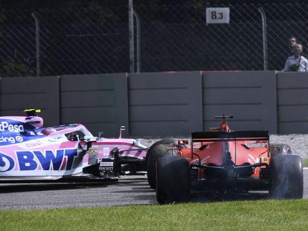Sebastian Vettel aiheutti huolimattomuudellaan kolarin Racing Point -kuljettaja Lance Strollin kanssa.