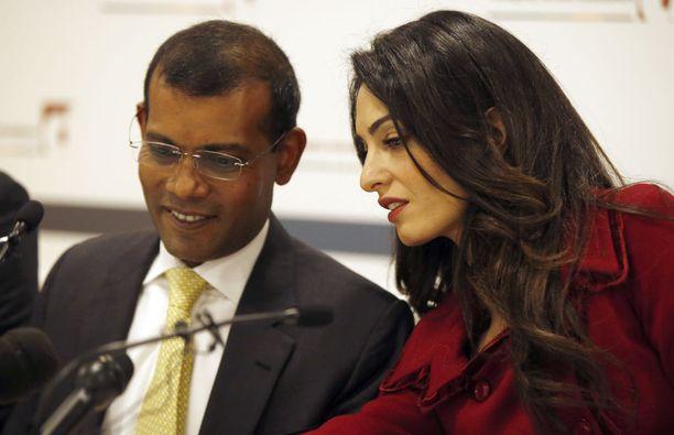 Brittiläinen ihmisoikeusasianajaja Amal Clooney neuvotteli ex-presidentti Mohamed Nasheedin ulos maasta terrorismituomion jälkeen. Kuva vuodelta 2016. Presidenttinä 2008-2012 toiminut Nasheed oli Malediivien ensimmäinen demokraattisilla vaaleilla valittu johtaja.