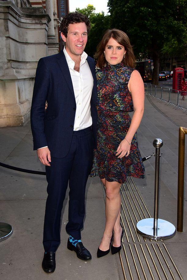 Lokakuussa avioituva pari viime kesänä Victoria & Albert museon kesäjuhlien yhteydessä.