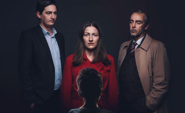 Anna uskoo, että Craig (vas.) on Eddie, joka murhasi hänen pienen Liam-poikansa. Komisario Steven Grover haluaa saattaa Annan vastuuseen teoistaan samalla, kun hän kamppailee oman yksityiselämänsä kanssa.