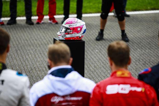 F1-sarja kunnioitti Anthoine Hubertia ennen Belgian GP:n starttia 2019.