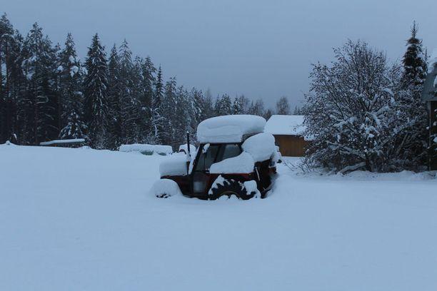 Lunta on satanut Rautavaaralla harvinaisen paljon.