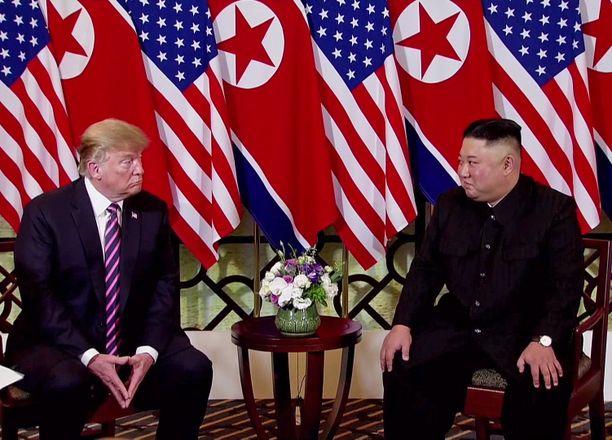 Yhdysvaltain presidentti Donald Trump ja Pohjois-Korean johtaja Kim Jong-un tapasivat keskiviikkona Vietnamin Hanoissa.