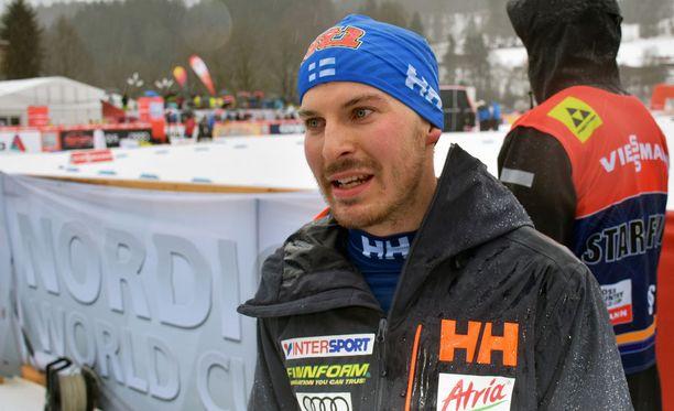 Antti Ojansivulla oli vatsamurheita.