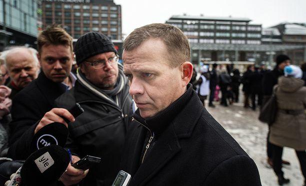 Petteri Orpo toivoo, että hänen perheensä jätettäisiin rauhaan.