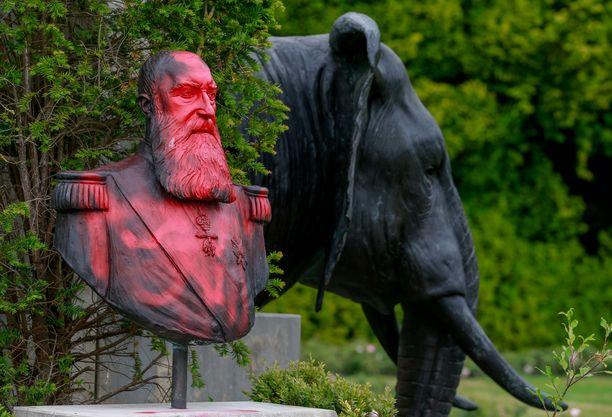 Kuningas Léopold II:n patsaat ovat joutunut ilkivallan kohteeksi ympäri Belgiaa.