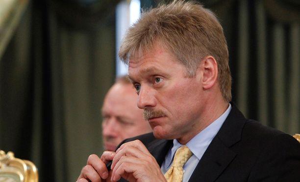 Dmitri Peskov kiistää korruptioväitteet.