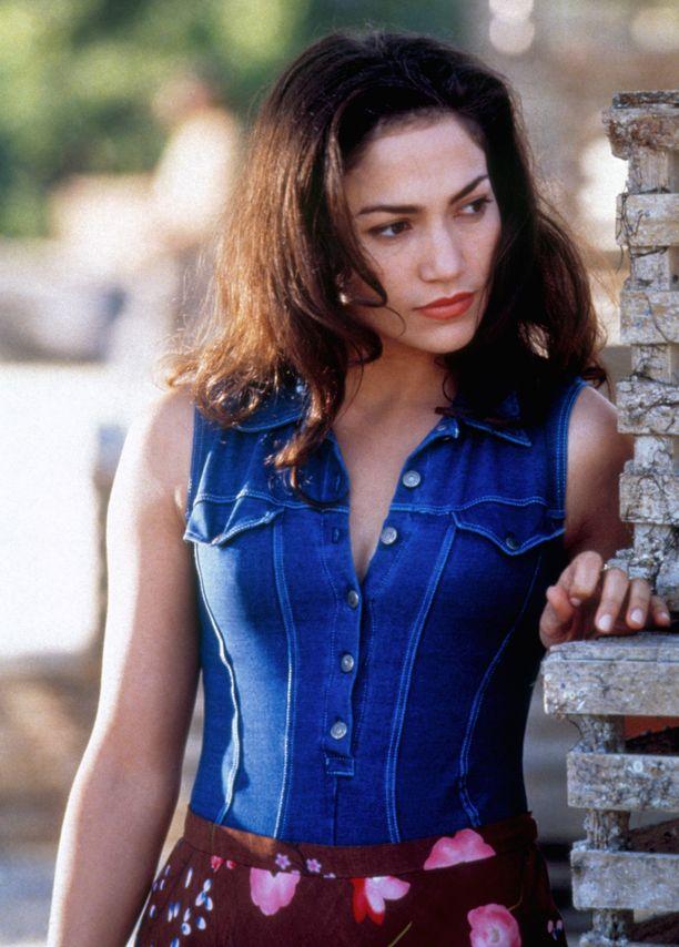 Popikonin musiikkiura starttasi esikoisalbumin myötä vuonna 1990. Albumin hittisingleksi nousi If You Had My Love -kappale. Kuvassa Lopez vuonna 1996.