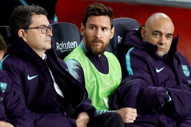 Leo Messi istui vaihtopenkillä reilun tunnin.