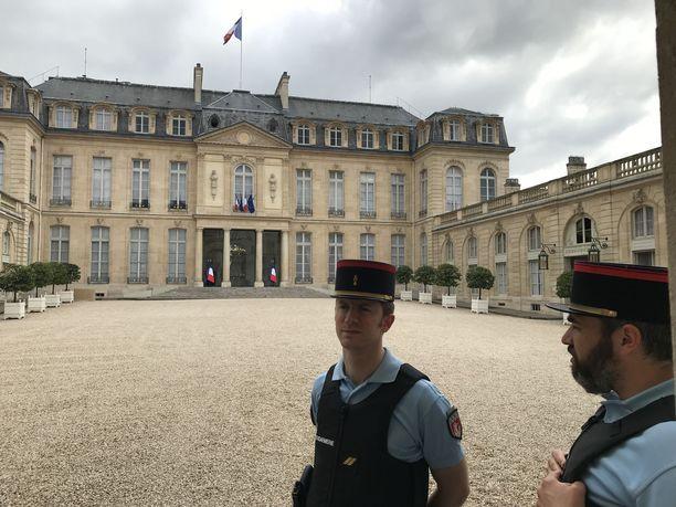 Élysée-palatsissa on tiukat turvatoimet.