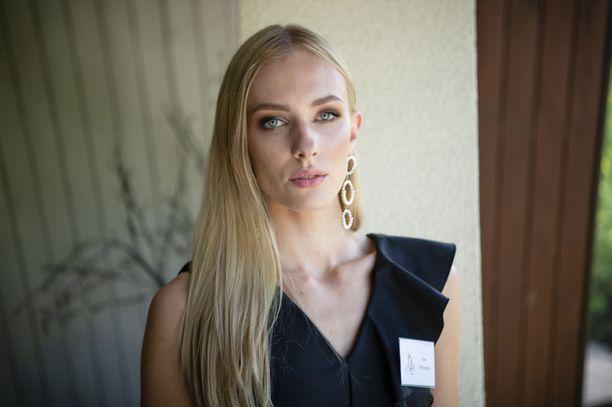 Anni Harjunpää edustaa Suomea maailmalla.