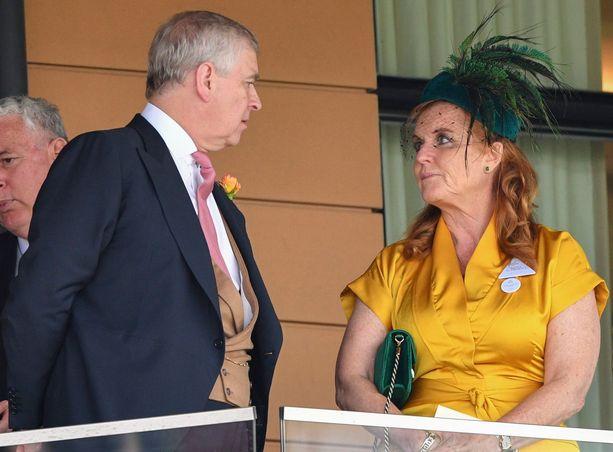 Prinssi Andrew ja Sarah Ferguson vetävät yhtä köyttä – kaikesta huolimatta.