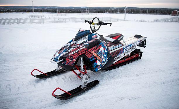 Muoniosta löytyy eniten moottorikelkkoja. Kuvan menopeli on kuitenkin kuvattu Rovaniemellä.