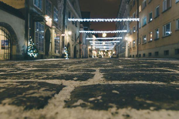 Joulun alla Tallinnassa on tunnelmaa.