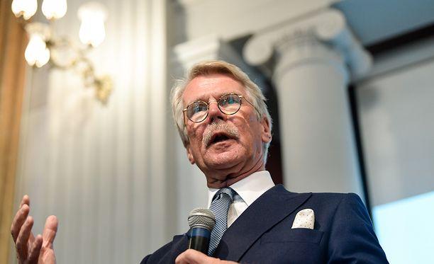 Björn Wahlroos ja hänen määräysvaltayhteisönsä omistavat luovutusten jälkeen 8,3 miljoonaa Sammon osaketta. Omistus vastaa 1,5:tä prosenttia Sampo Oyj:n osakkeiden kokonaismäärästä. Wahlroos on edelleen Sammon kolmanneksi suurin omistaja.