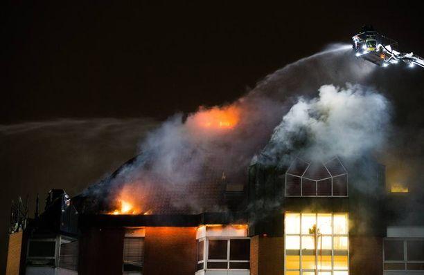 Palo sai alkunsa kuudennesta kerroksesta.