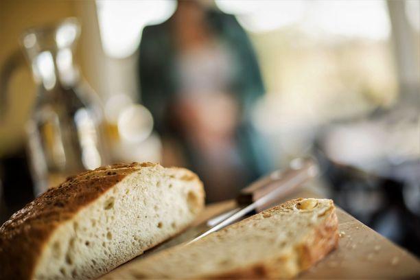 Syyttäjä vaatii, että tekovälineenä käytetty leipäveitsi on tuomittava valtiolle menetyksi. Kuvituskuva.