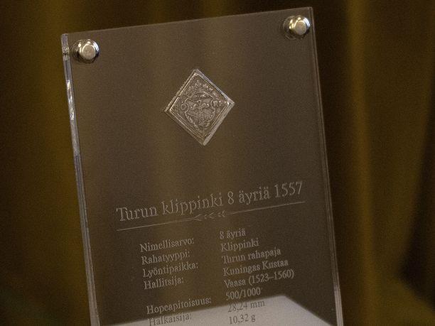 Turun rahapajassa vuonna 1557 lyöty klippinki on todellinen harvinaisuus. Aivan samanlaisia rahoja tunnetaan 5-7 kappaletta.