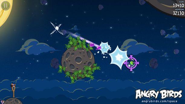 Tältä näyttää yksi pelin versioista, Angry Birds Space.