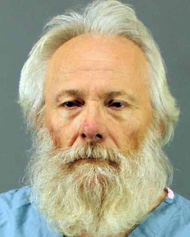 Poikien isä Bruce Leonard on pidätetty taposta epäiltynä.