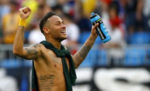 Neymar ja Brasilia jatkavat MM-tittelin jahtaamista.
