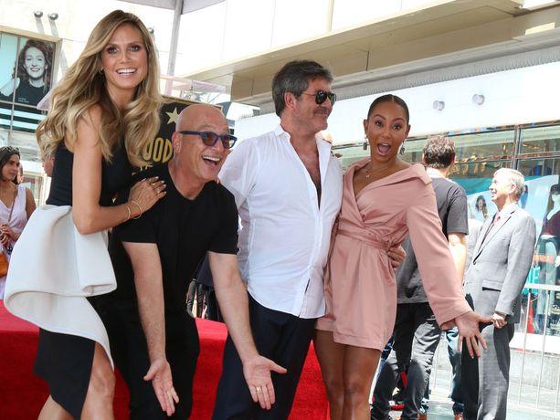 Heidi Klum, Howie Mandel ja Mel B juhlivat Simon Cowellin Walk of Fame -tähteä.