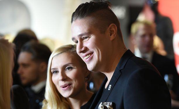Minka ja Tommi Elle Style Awards -gaalassa. Pariskunta on ollut yhdessä jo yli 16 vuotta.