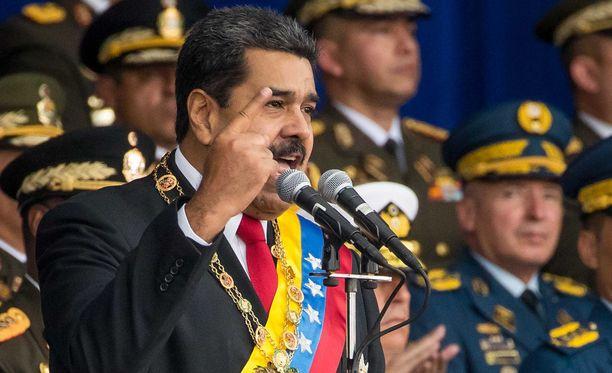 Venezuelan presidentti selvisi lauantaina lennokkihyökkäyksestä. Kuvassa Maduro pitää puhetta Caracasissa 4. elokuuta 2018.