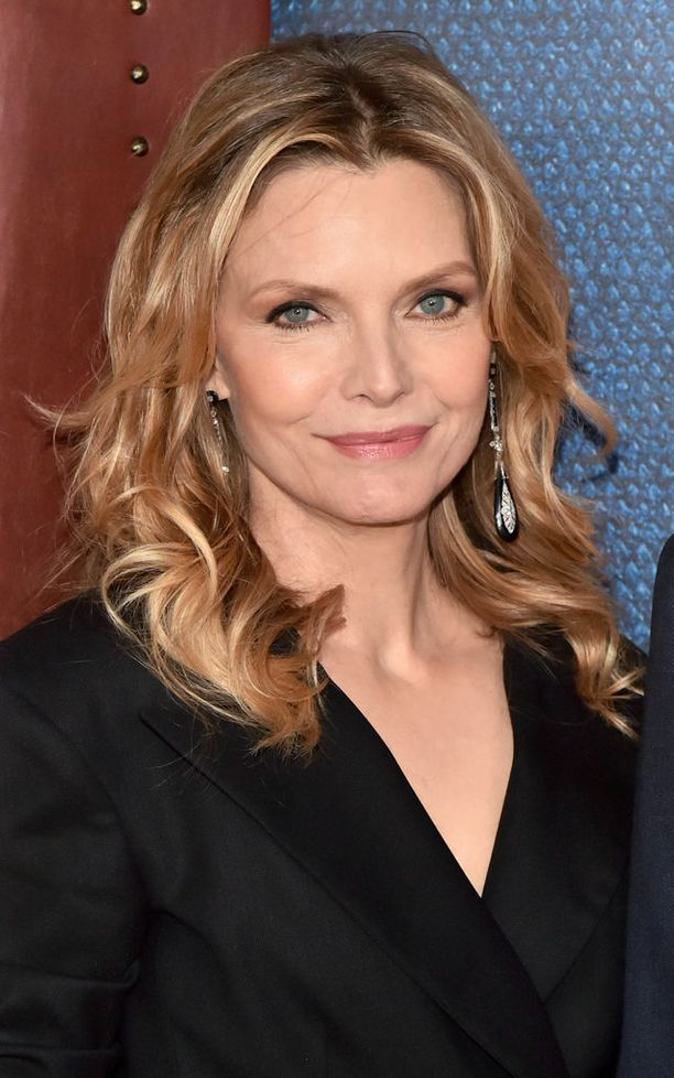 Michelle Pfeiffer, 60