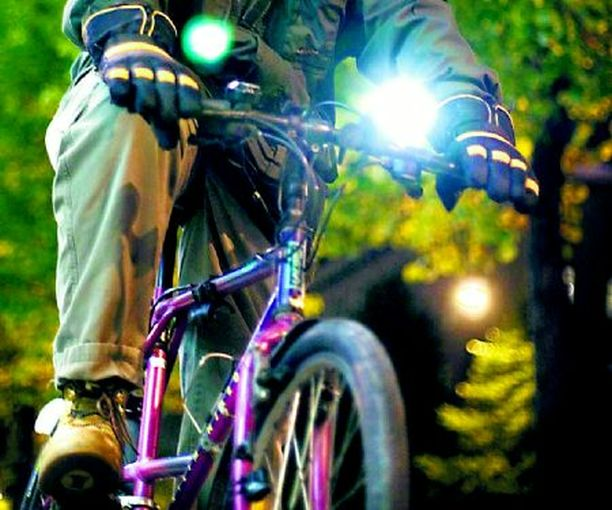 HÄIKÄISY Voiko pyörän lamppu olla liian kirkas?
