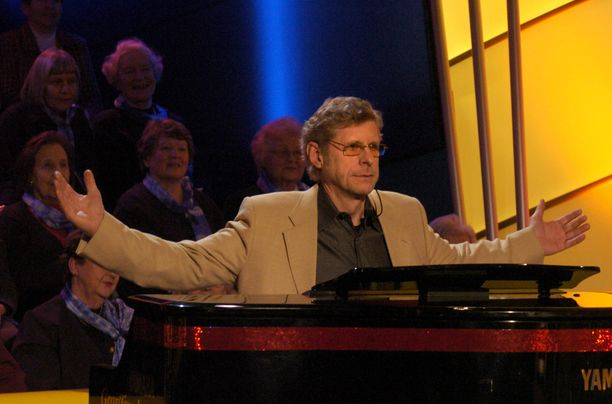 Seppo Hovi jätti jäähyväiset Bumtsibum!-ohjelmalle viimeisessä lähetyksessä helmikuussa 2005, eikä haikaile mukaan comebackiin.