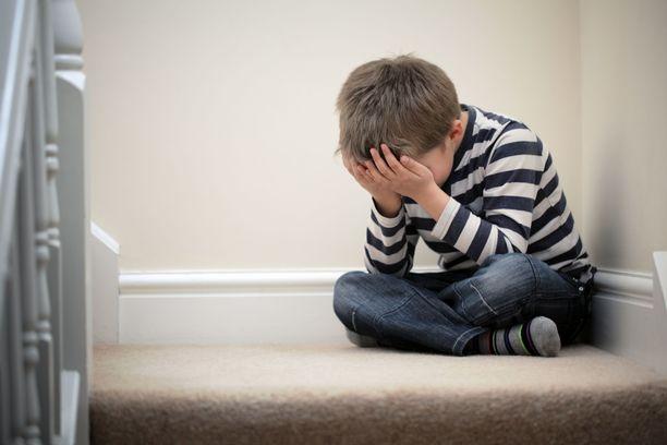 Jäähypenkin ideana on jättää lapsi yksin rauhoittumaan.