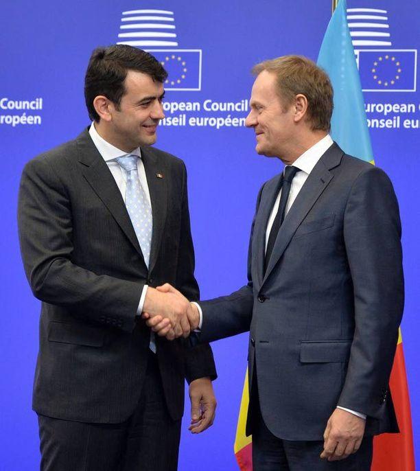 Moldovan pääministeri Chiril Gaburici (vas.) tapasi Eurooppa-neuvoston puheenjohtajan Donald Tuskin tänään Brysselissä.