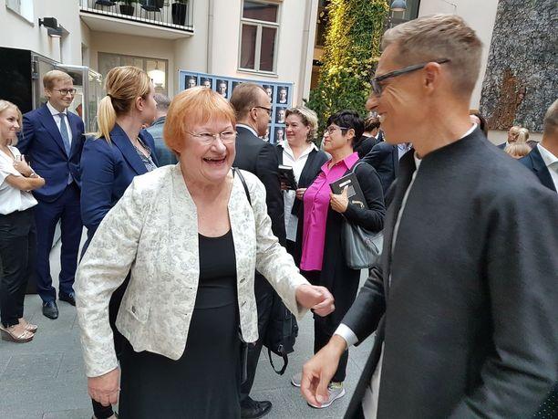 Presidentti Tarja Halonen ja Alexander Stubbin tapasivat lämpimissä tunnelmissa.