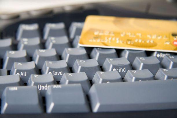 Suomalaisilta huijatuilla luottokorttitiedoilla on tehty tuhansien eurojen arvoisia ostoja.