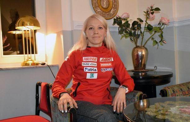 Kaisa Mäkäräinen avaa henkilökohtaisen maailmancupin torstaina Sloveniassa 15 kilometrin kilpailussa.