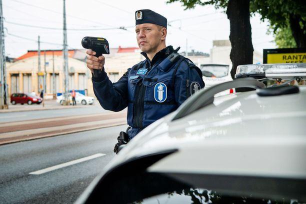 Kuljettajalla oli ylinopeutta liki 70km/h. Kuvituskuva, joka ei liity tapaukseen.